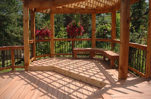 Deck with pergola and bench seating